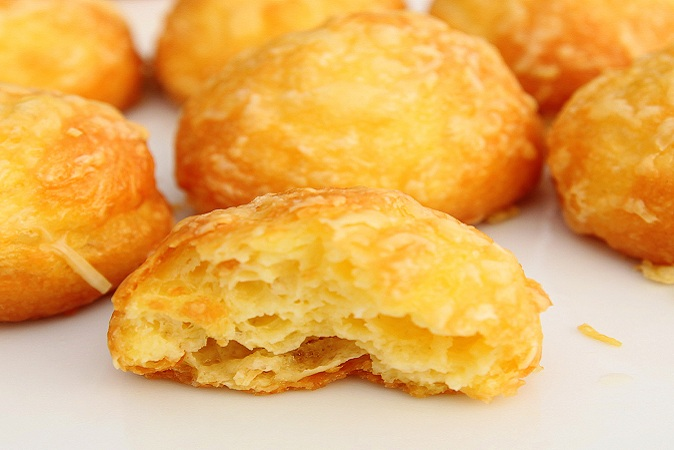 French Gougeres au Fromage ( French Cheese Puffs ) Recipe
