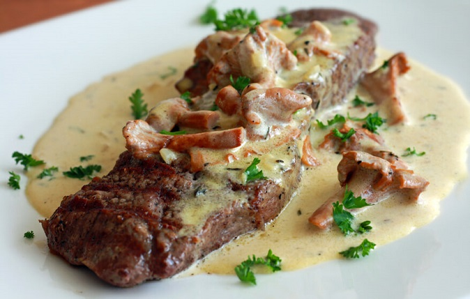 French Pavés du Mail ( Pan-Fried Steaks with Mustard Cream Sauce ) Recipe
