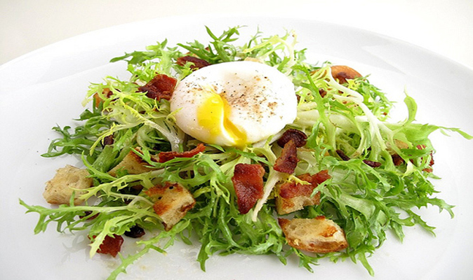 French Salade Lyonnaise ( Frisée, Poached Egg, and Bacon Salad ) Recipe