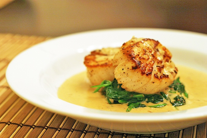 French Seared Scallops on Spinach with Apple-Brandy Cream Sauce Recipe