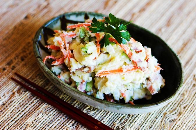 https://uncutrecipes.com/Images-Recipes-Japanese/Potato-Salad.jpg